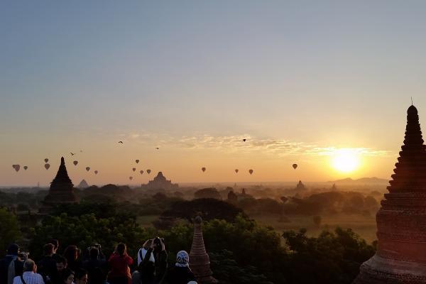 Flo-Bro | Sunrise Bagan, Myanmar